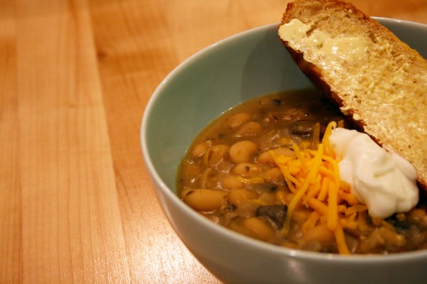 chicken-chili-w-bread-2