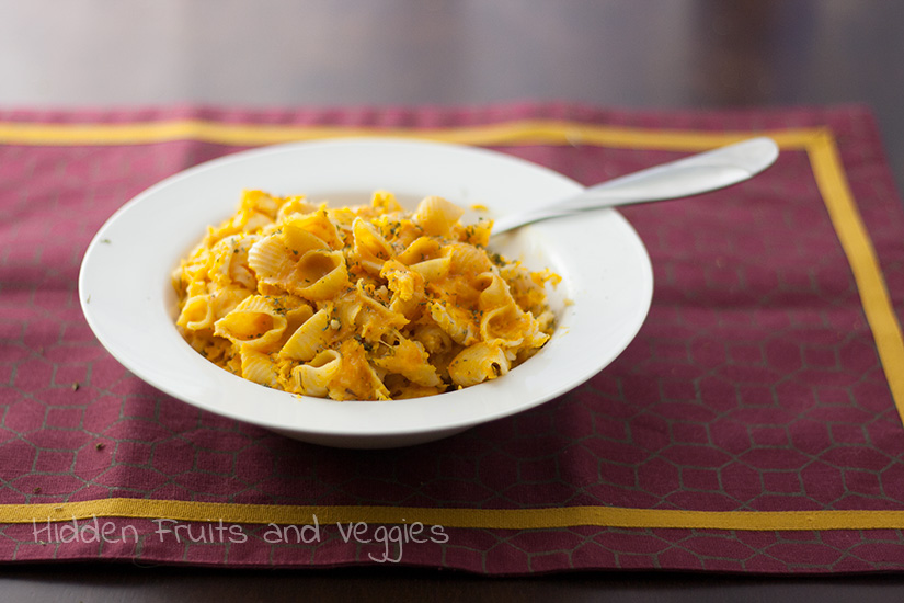 Healthier Slow Cooker Mac and Cheese