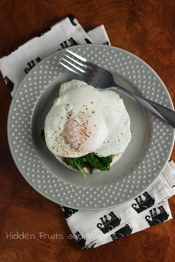 Rice cake with spinach and a dippy egg from @hiddenfruitnveg